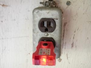Open ground receptacle.